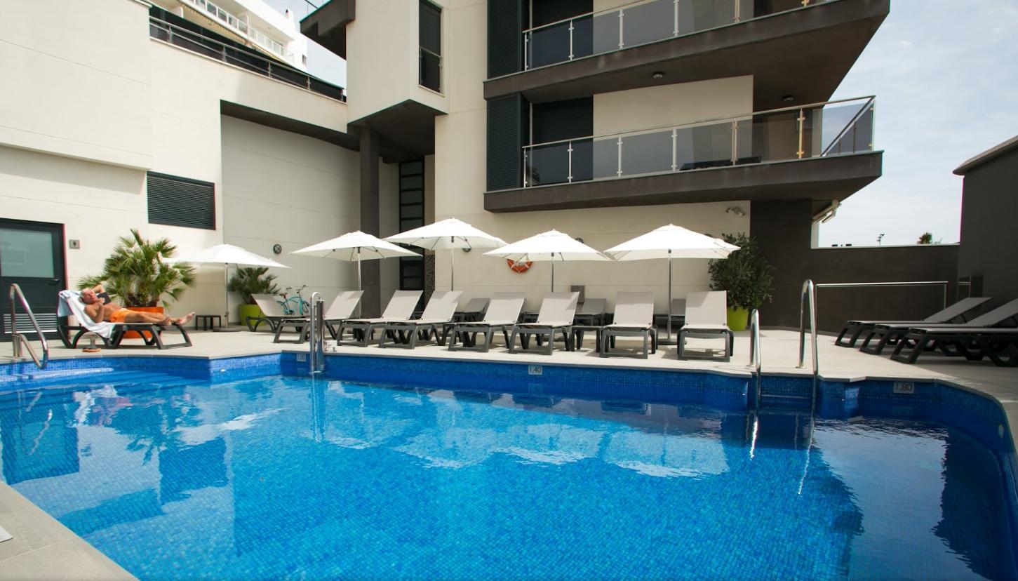 Apartamentos fuengirola playa alberro arquitectos for Apartamentos