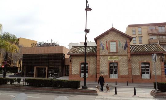 1-equipamiento-oficina turismo-fuengirola-2010-01