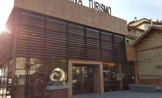 2-equipamiento-oficina turismo-fuengirola-2010-02