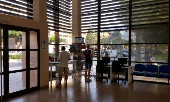 4-equipamiento-oficina turismo-fuengirola-2010-04